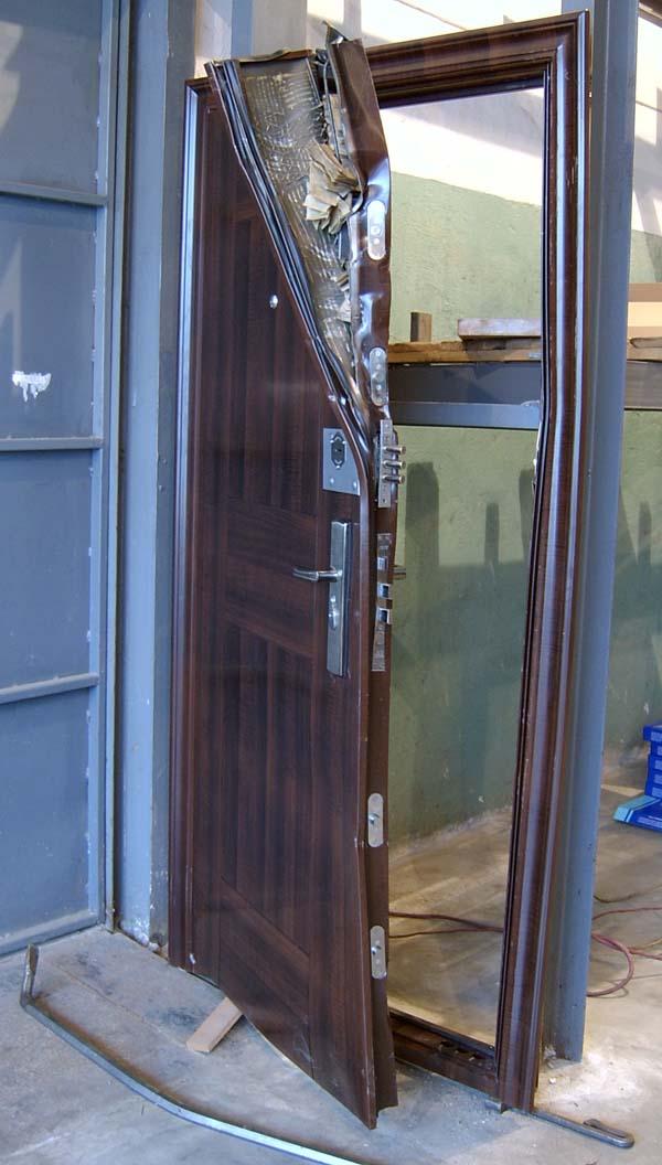человек реставрация железных дверей в титоровке краснодар Симферополе